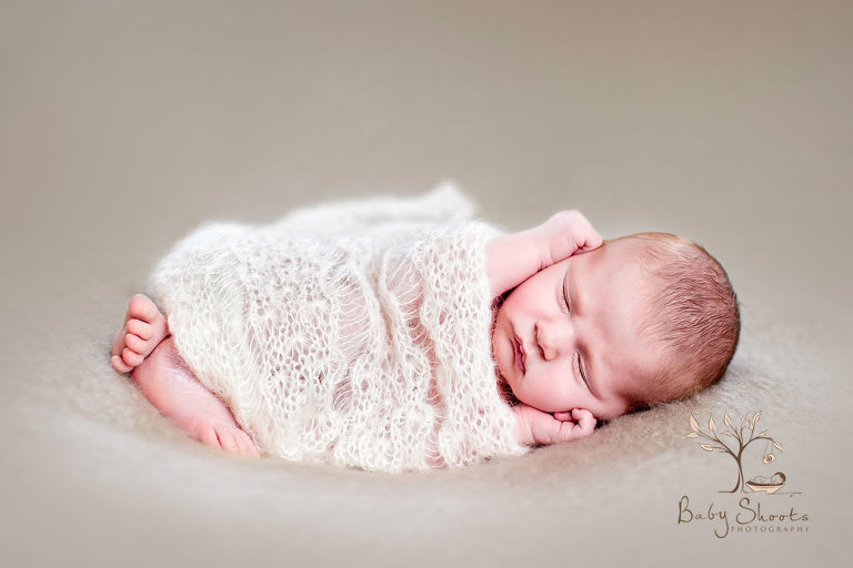 Surrey newborn photographers in guildford 0314