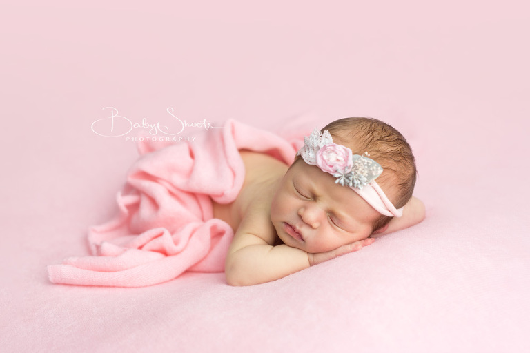 Newborn baby photographer sussex zara 4 days