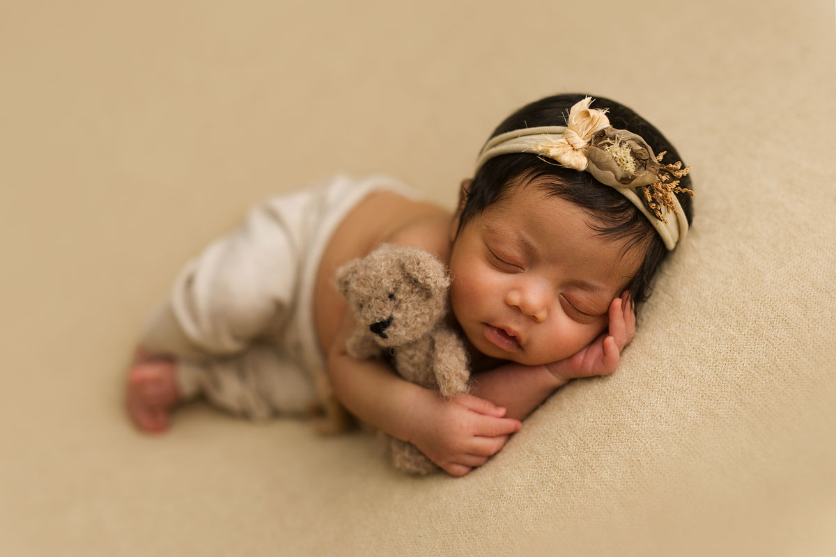 Best-newborn-photographer-Sussex