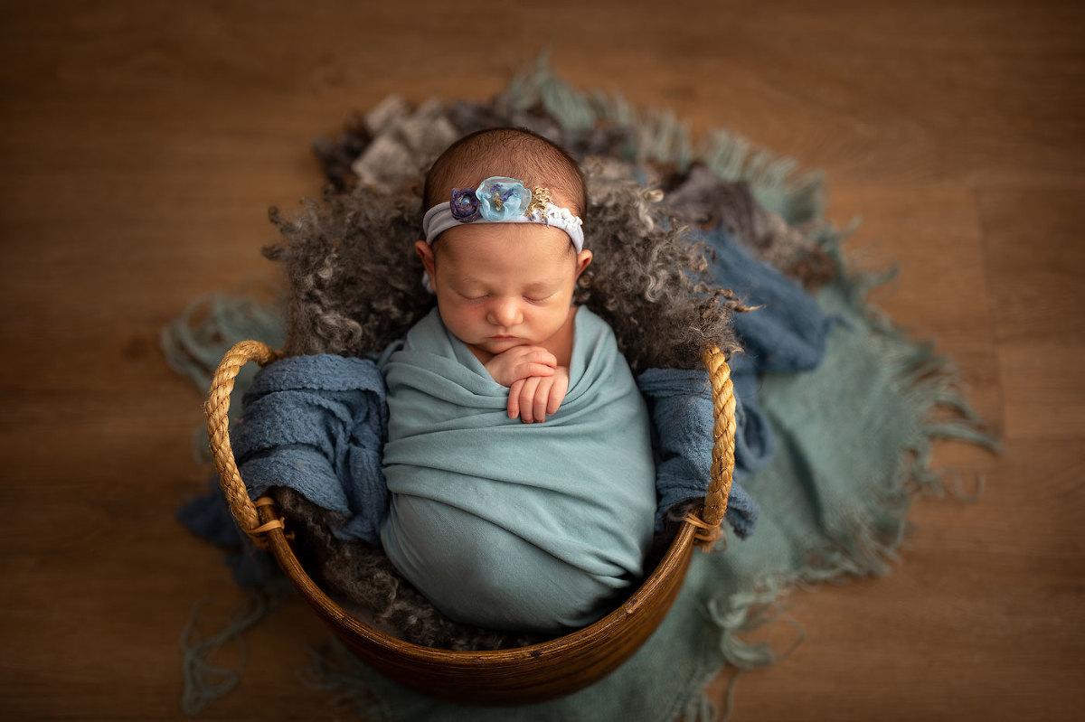 Best-newborn-photographers-Sussex