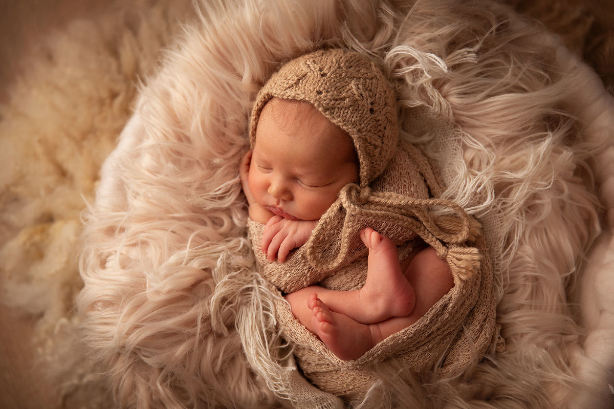 High-end-newborn-photographers-Sussex
